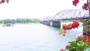Dùng dằng sông Hương