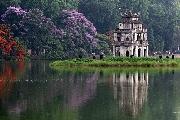 Hà Nội, một thoáng cuối Xuân