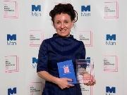 Chủ nhân giải Man Booker Quốc tế 2018: Từ bác sĩ, 'lột xác' thành ngôi sao văn học