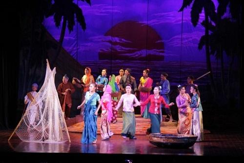 Hơi thở ngoại trong Tuồng Việt: Làn gió mới cho nghệ thuật tuồng
