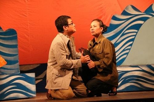 """Vở ca kịch """"Những người mẹ"""" đoạt Huy chương Bạc Liên hoan Sân khấu chuyên nghiệp toàn quốc"""
