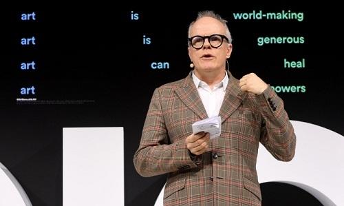 Giám tuyển Anh kêu gọi 'siêu' dự án nghệ thuật trong đại dịch